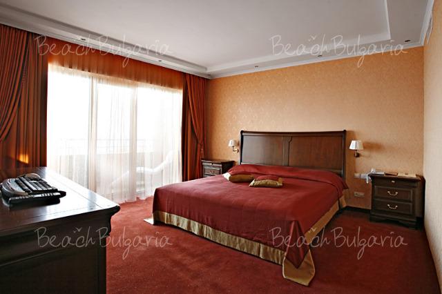 Гранд Отель Поморие11