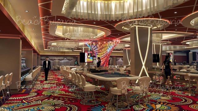 Отель и Казино Европа17