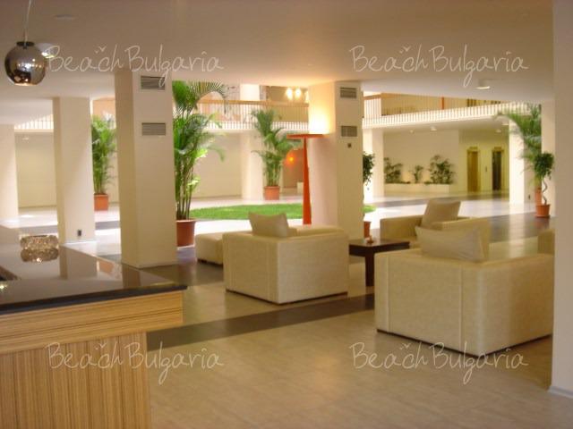 Гранд Отель Варна3