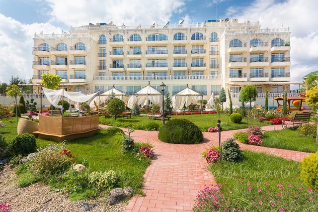 Бальнео-отель Терма Палас