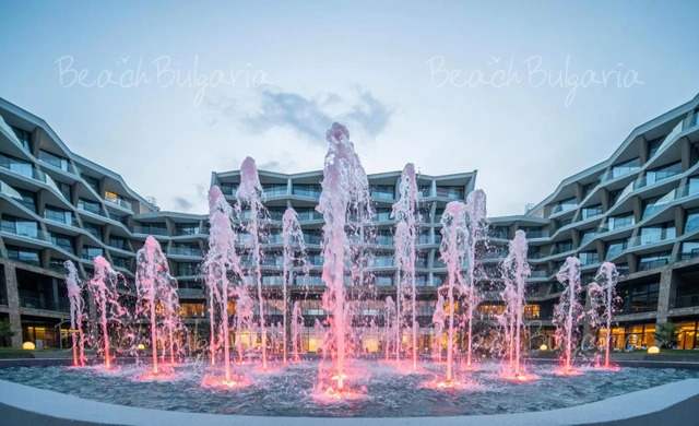 Wave Resort2