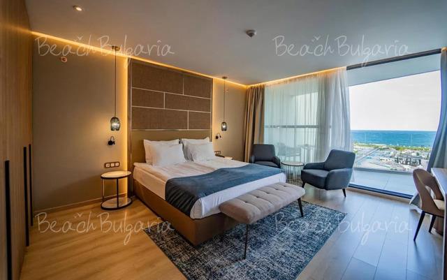 Wave Resort17
