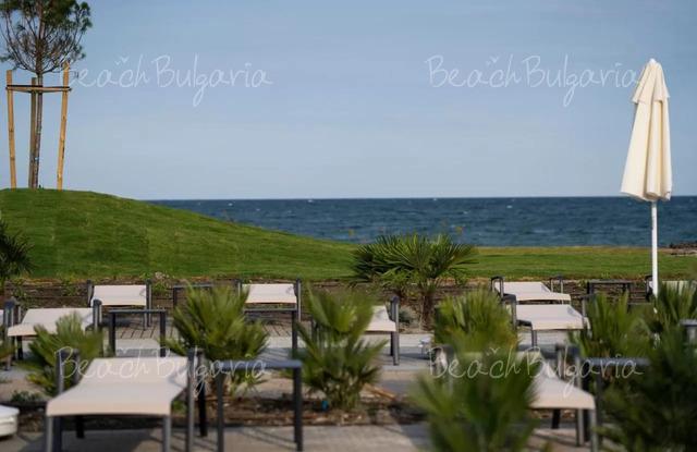 Wave Resort4