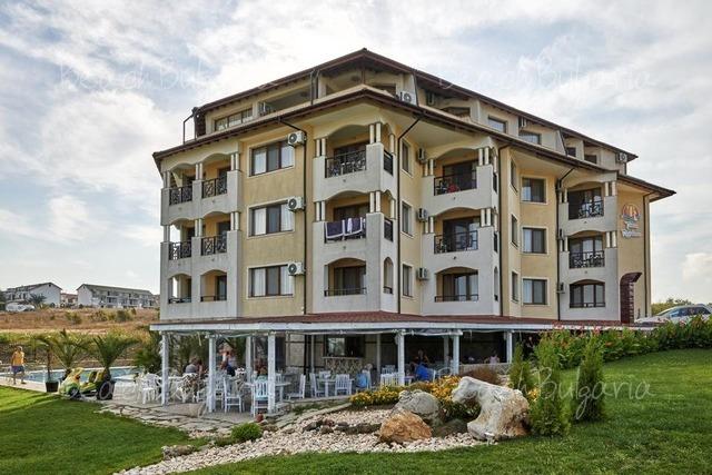 Отель Toma's Residence