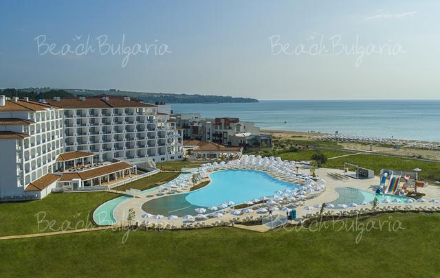 Sunrise Blue Magic Resort2