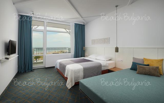 Sunrise Blue Magic Resort8
