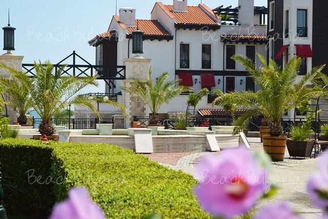 Отель Maltese Castle