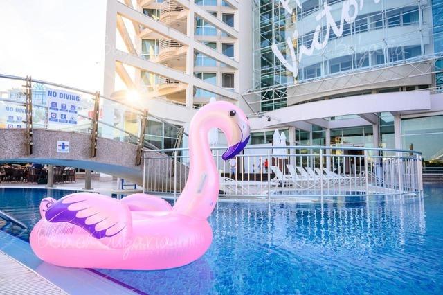 Effect Grand Victoria Hotel3