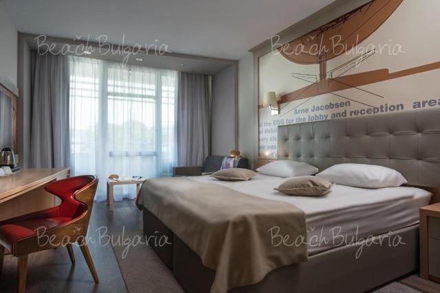 Effect Grand Victoria Hotel10